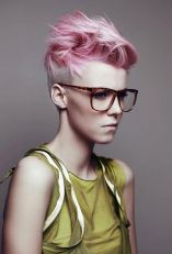 Short hair pixie cut hairstyle with glasses ideas 37