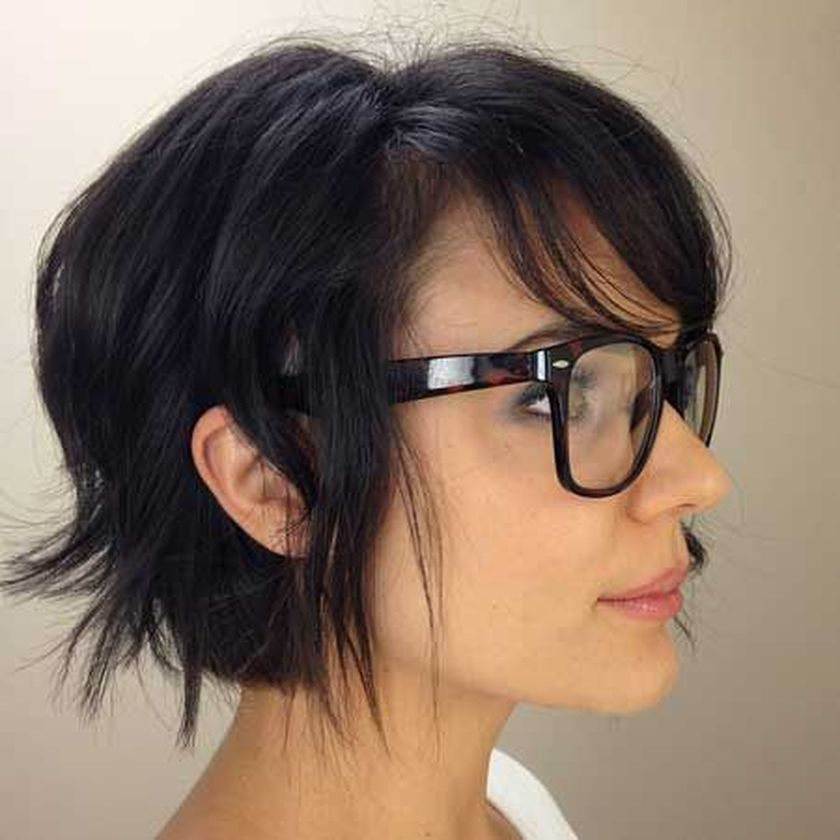 Short hair pixie cut hairstyle with glasses ideas 45
