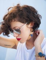 Short hair pixie cut hairstyle with glasses ideas 56