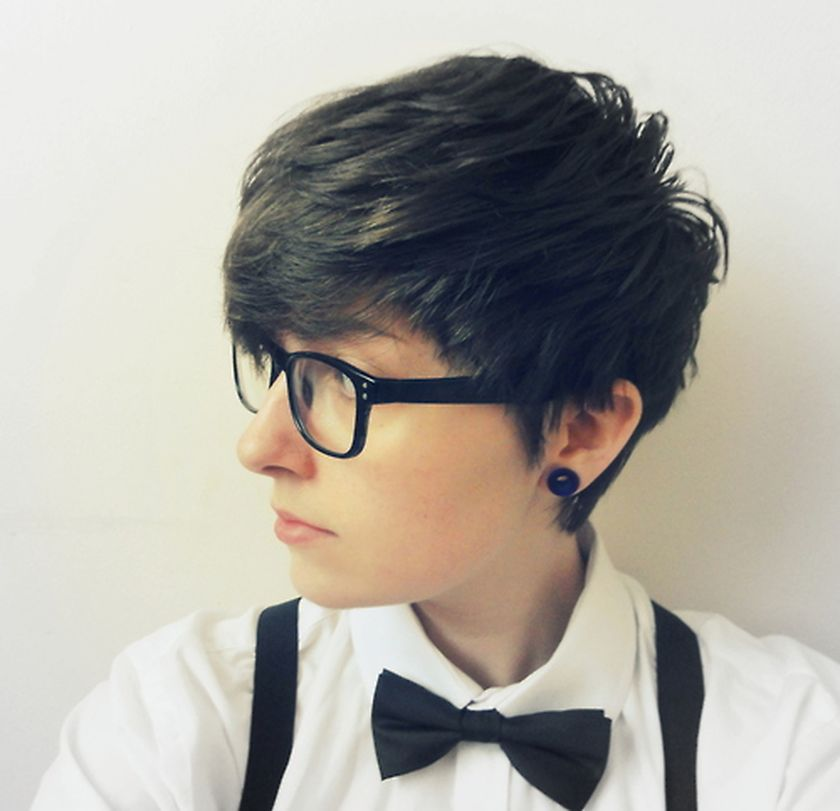 Short hair pixie cut hairstyle with glasses ideas 63