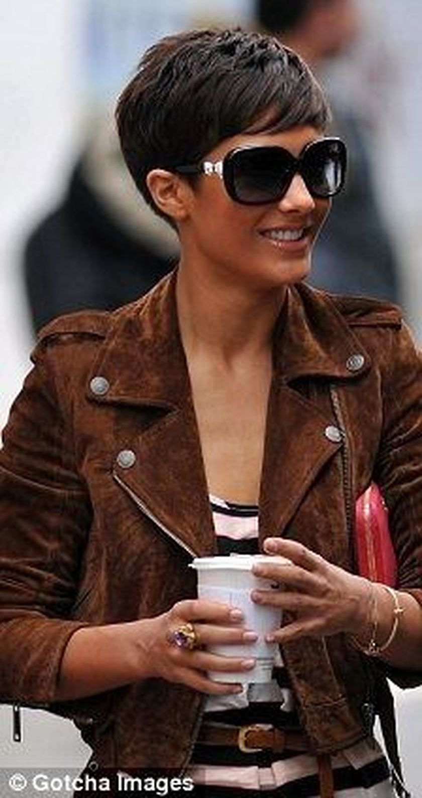Short hair pixie cut hairstyle with glasses ideas 71