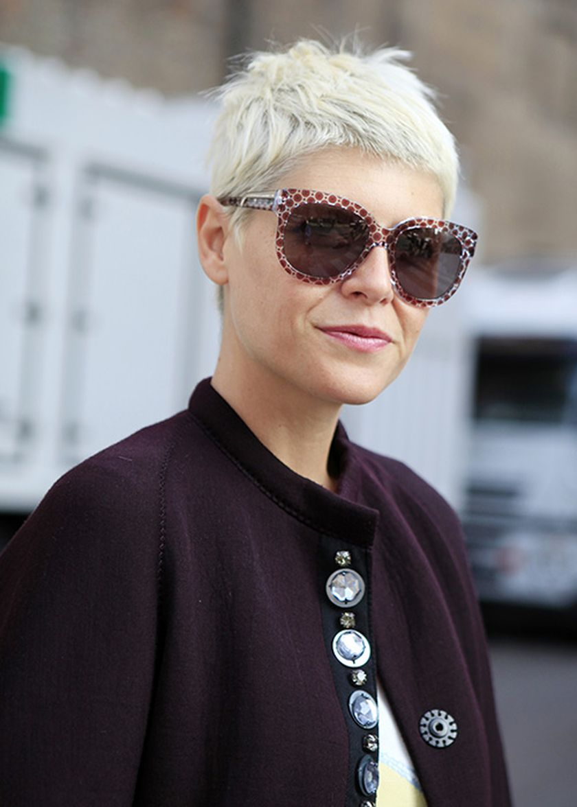 Short hair pixie cut hairstyle with glasses ideas 80
