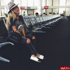 Summer airplane outfits travel style 19