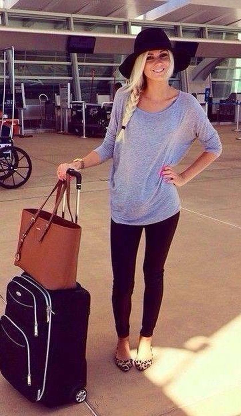 Summer airplane outfits travel style 23