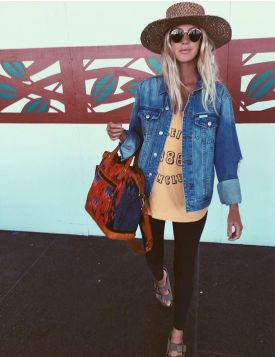 Summer airplane outfits travel style 3