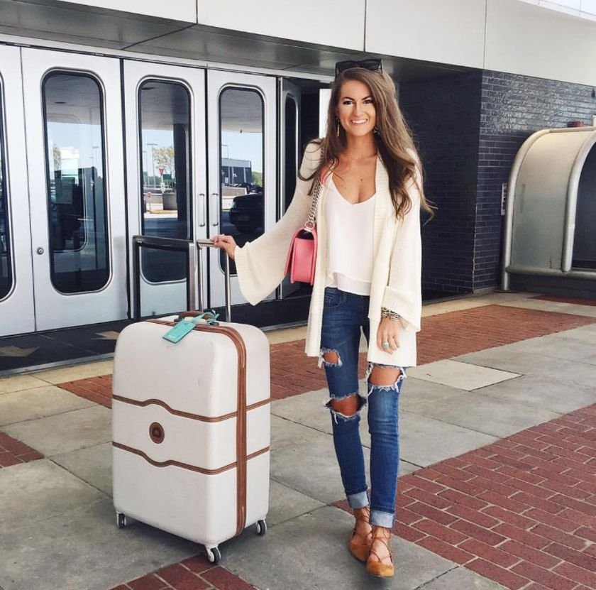 Summer airplane outfits travel style 31