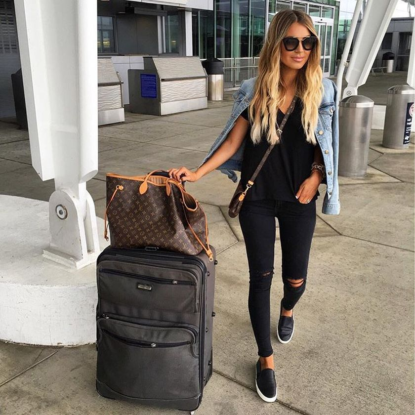 Summer airplane outfits travel style 61