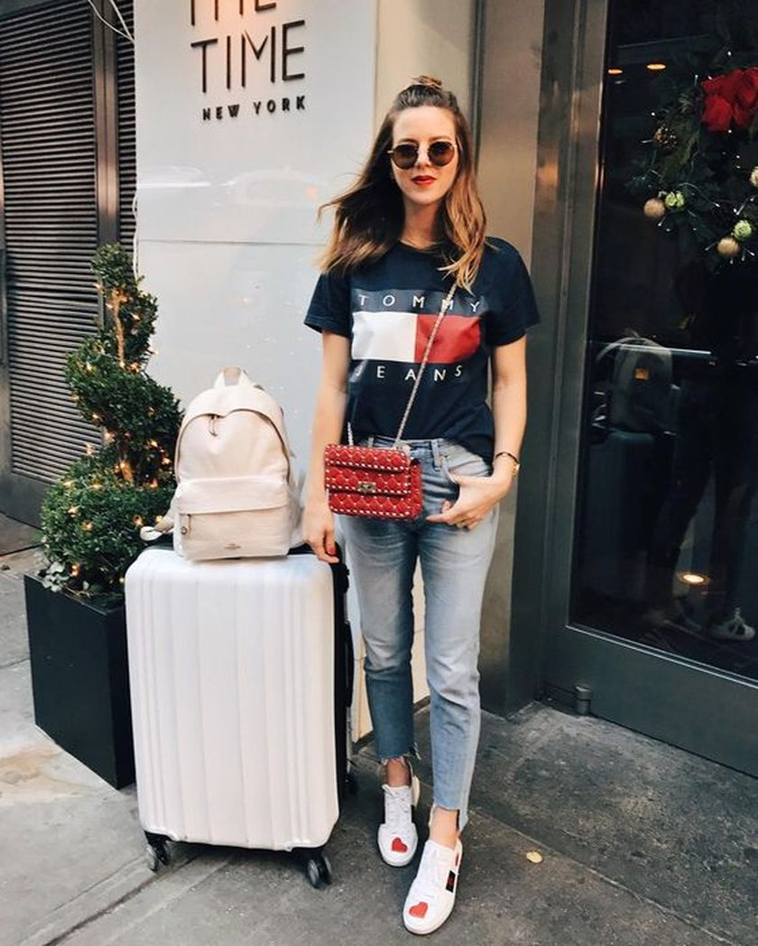 Summer airplane outfits travel style 7