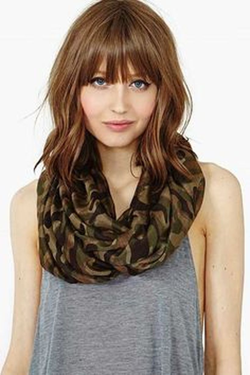 Awesome full fringe hairstyle ideas for medium hair 32