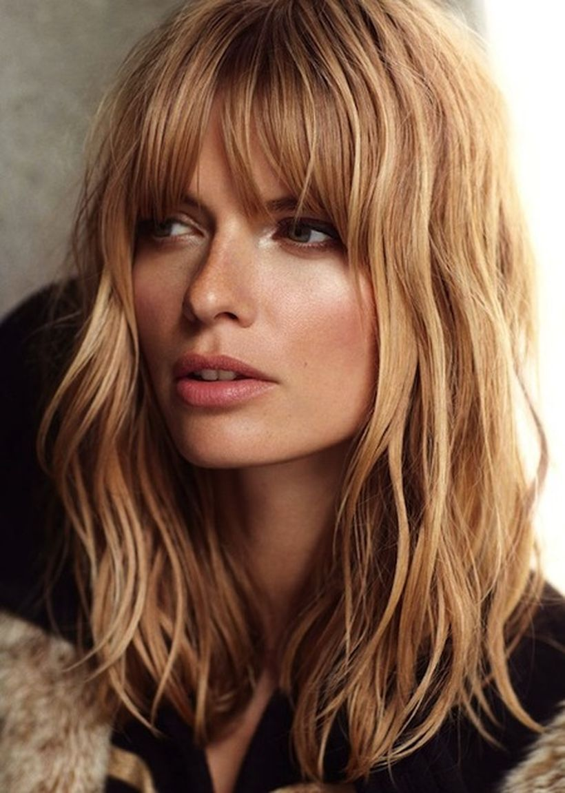 Awesome full fringe hairstyle ideas for medium hair 42