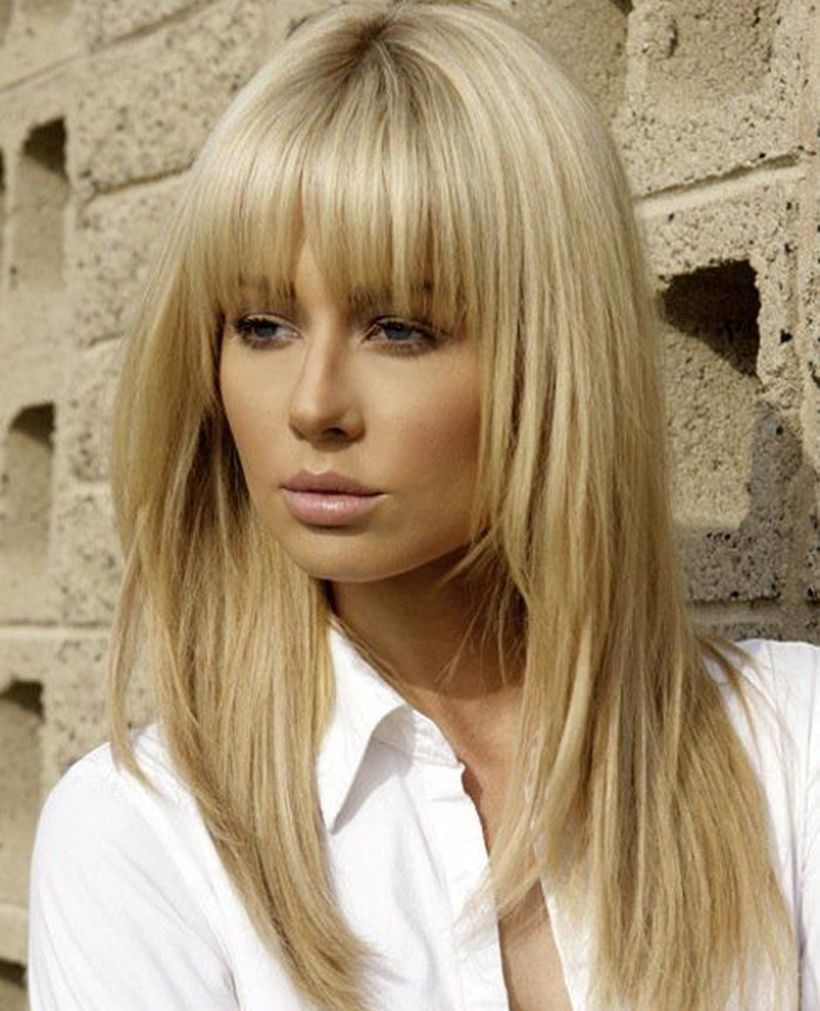 Awesome full fringe hairstyle ideas for medium hair 44