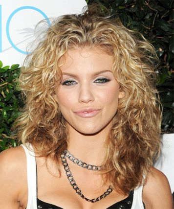 Beautiful curly layered haircut style ideas 103