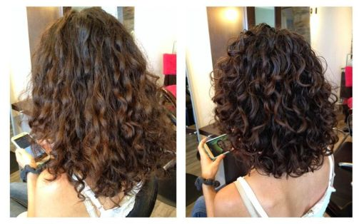 Beautiful curly layered haircut style ideas 20