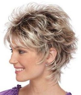 Beautiful curly layered haircut style ideas 36