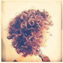 Beautiful curly layered haircut style ideas 78