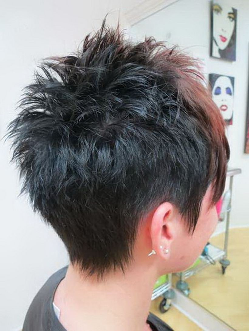 Cool back view undercut pixie haircut hairstyle ideas 3