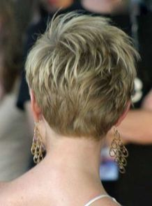Cool back view undercut pixie haircut hairstyle ideas 7