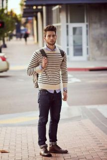 Cool men sweater outfits ideas 35
