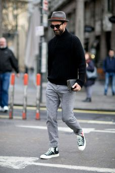 Cool men sweater outfits ideas 36