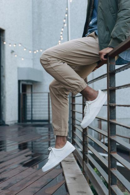 Cool mens joggers outfit ideas 26