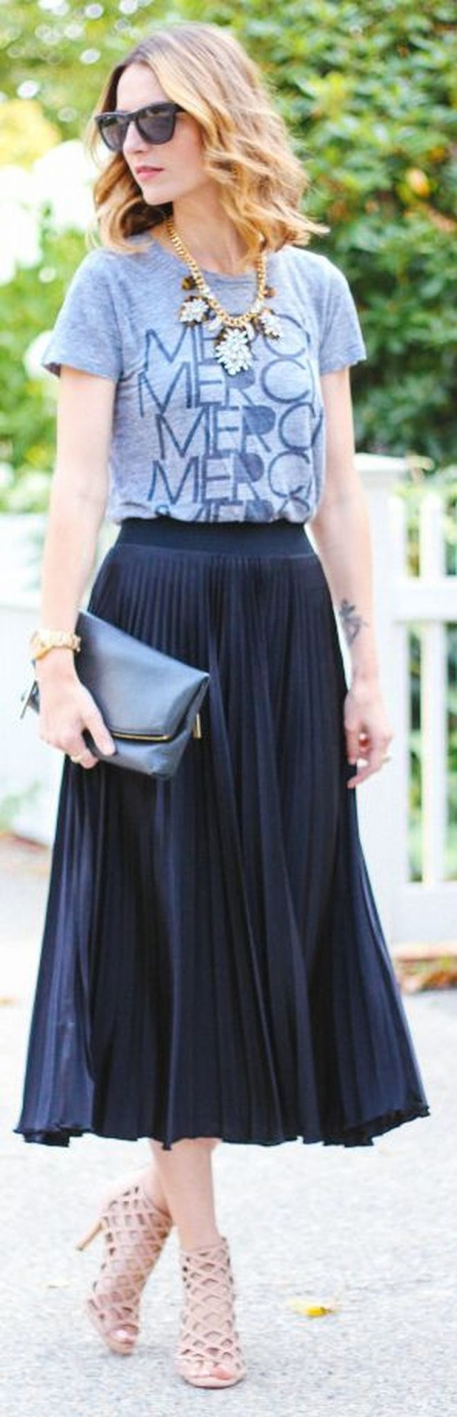 Cool tshirt and skirt for everyday outfits 40