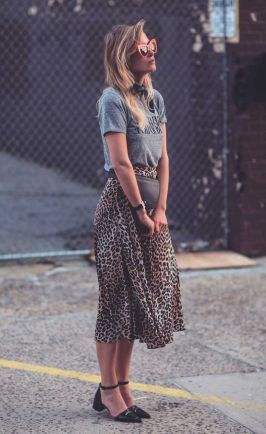 Cool tshirt and skirt for everyday outfits 5