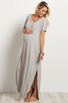 Fashionable maternity fashions outfits ideas 18
