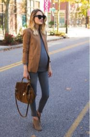 Fashionable maternity fashions outfits ideas 68