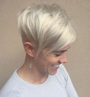 Funky short pixie haircut with long bangs ideas 48