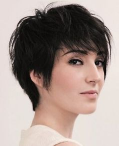 Funky short pixie haircut with long bangs ideas 54