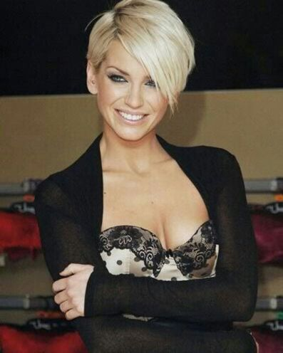 Funky short pixie haircut with long bangs ideas 96