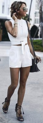 Gorgeous white two piece outfits ideas 12