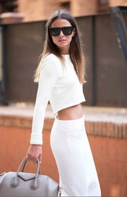 Gorgeous white two piece outfits ideas 27