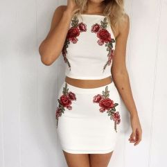 Gorgeous white two piece outfits ideas 47
