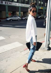Oversized white shirt with jeans outfits ideas 10