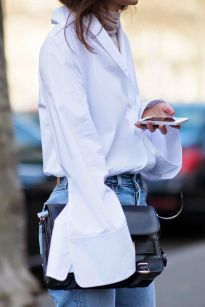 Oversized white shirt with jeans outfits ideas 13