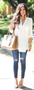 Oversized white shirt with jeans outfits ideas 15