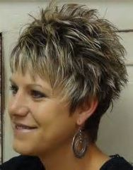 Perfect short pixie haircut hairstyle for plus size 19