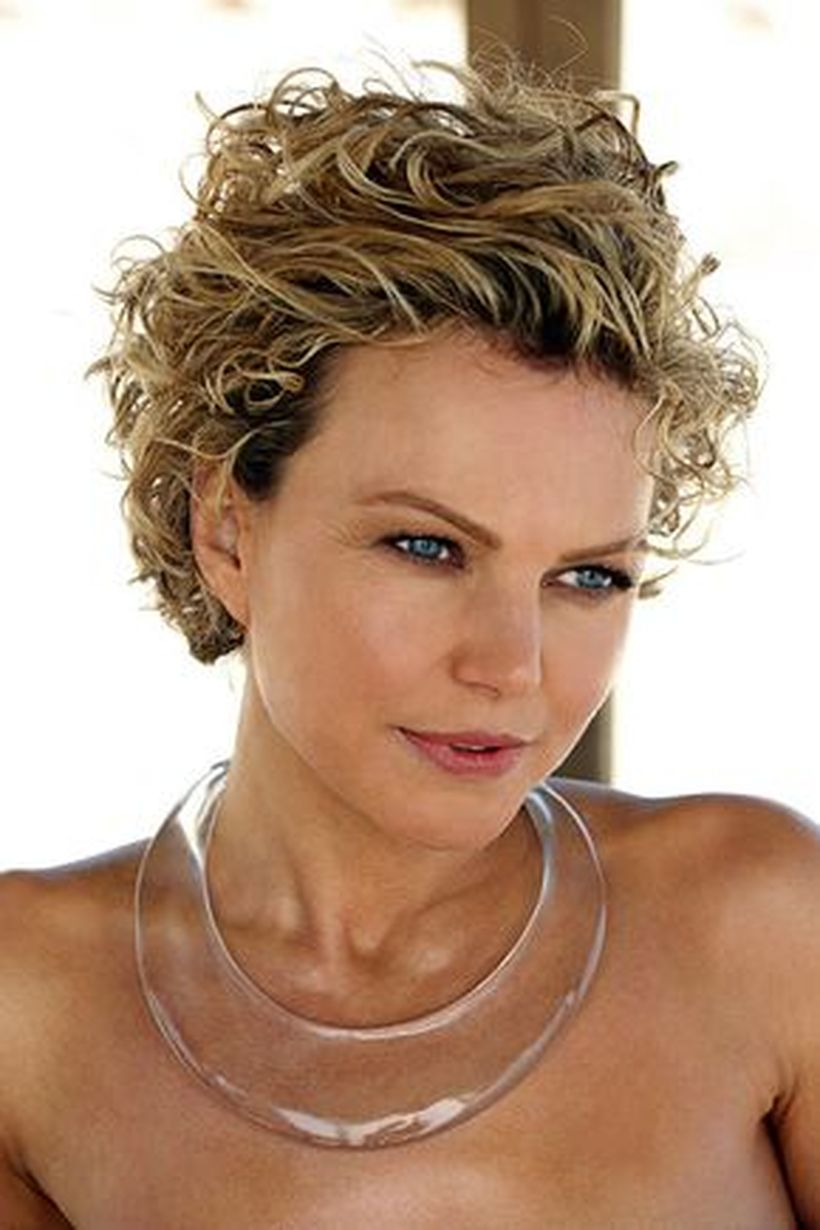 Stylist naturally curly haircuts ideas 60