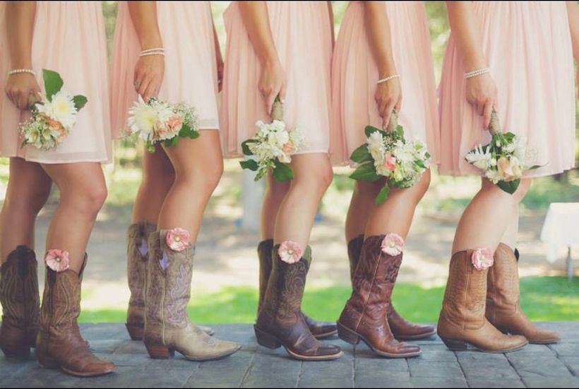 Vintage wedding outfit with country boots 18