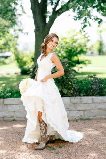 Vintage wedding outfit with country boots 36