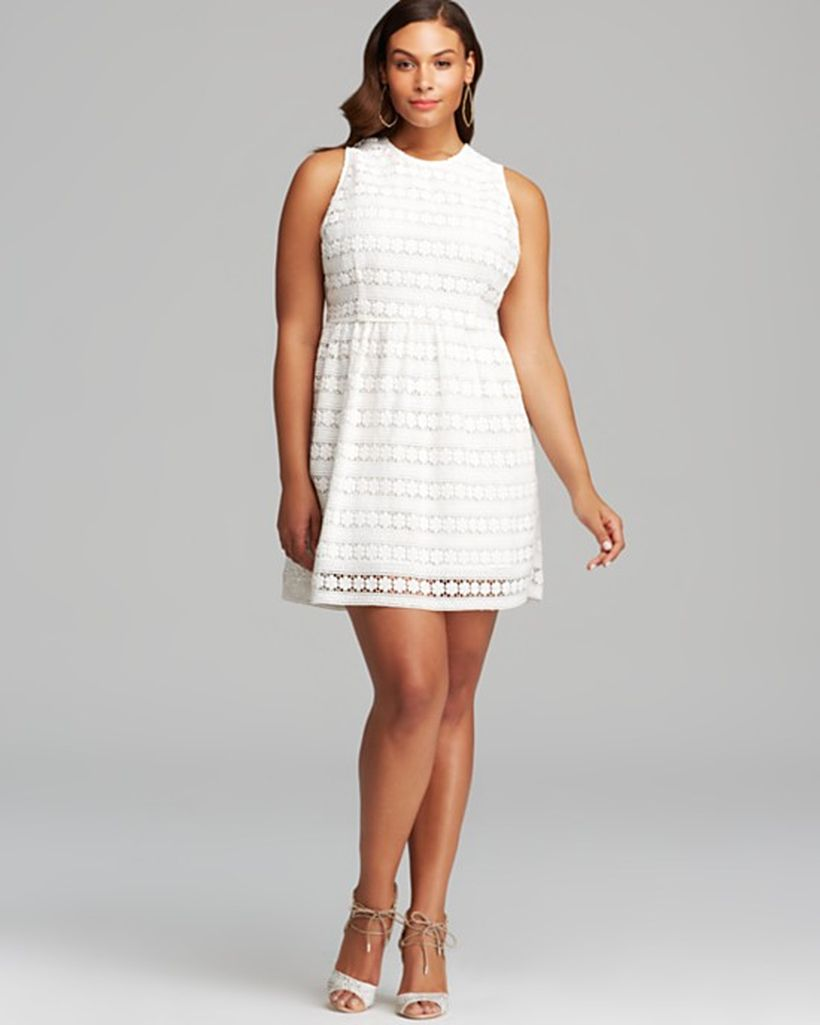 Amazing white short dresses ideas for party outfits 12