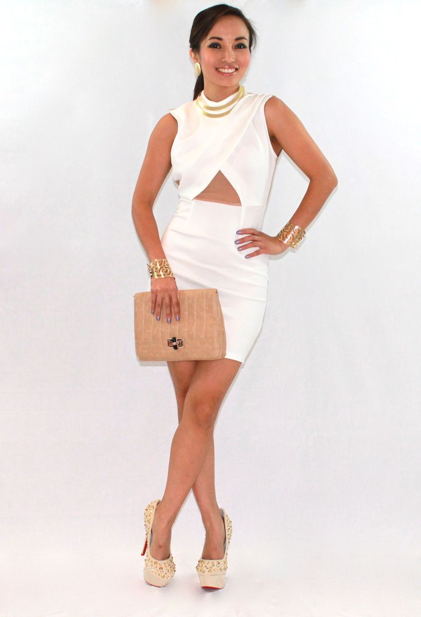 Amazing white short dresses ideas for party outfits 26