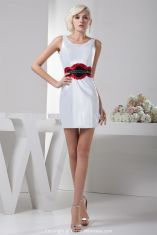 Amazing white short dresses ideas for party outfits 48