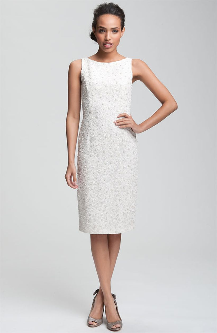 Amazing white short dresses ideas for party outfits 54
