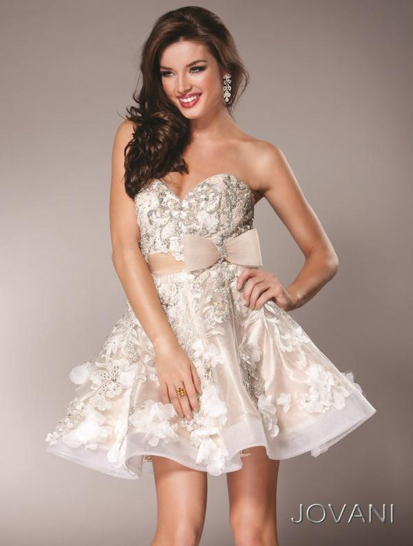 Awesome teens short dresses ideas for graduation outfits 128