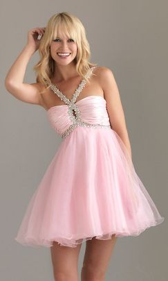 Awesome teens short dresses ideas for graduation outfits 19