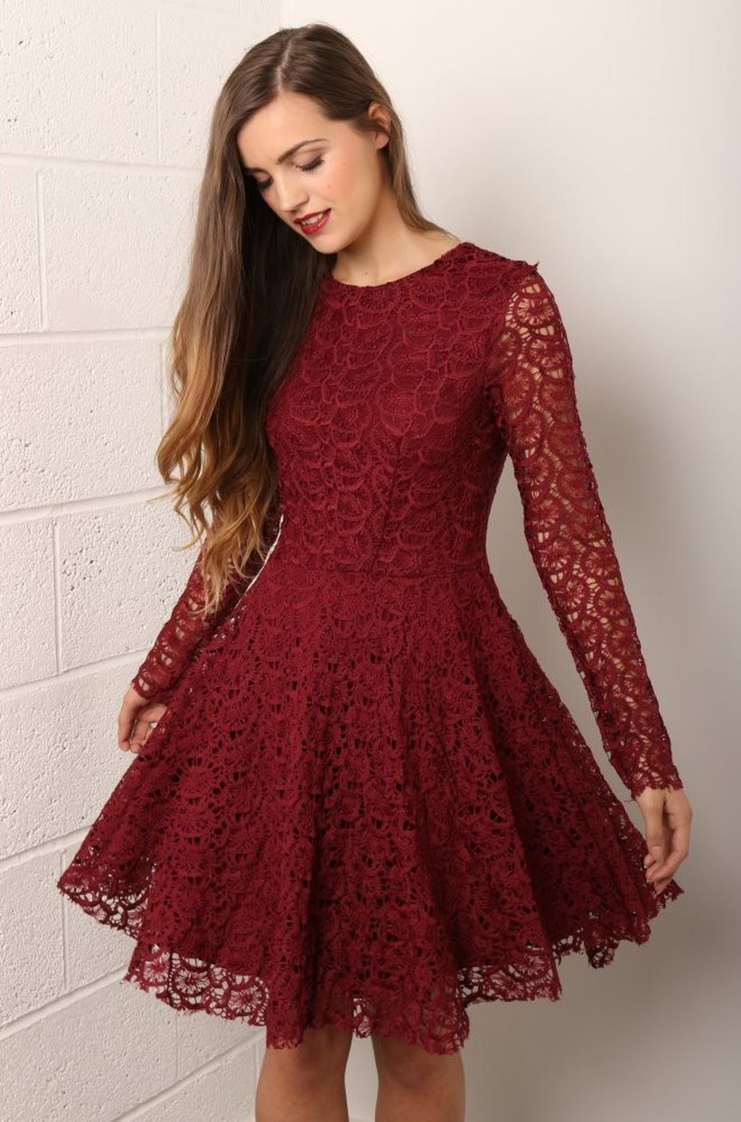 Awesome teens short dresses ideas for graduation outfits 2