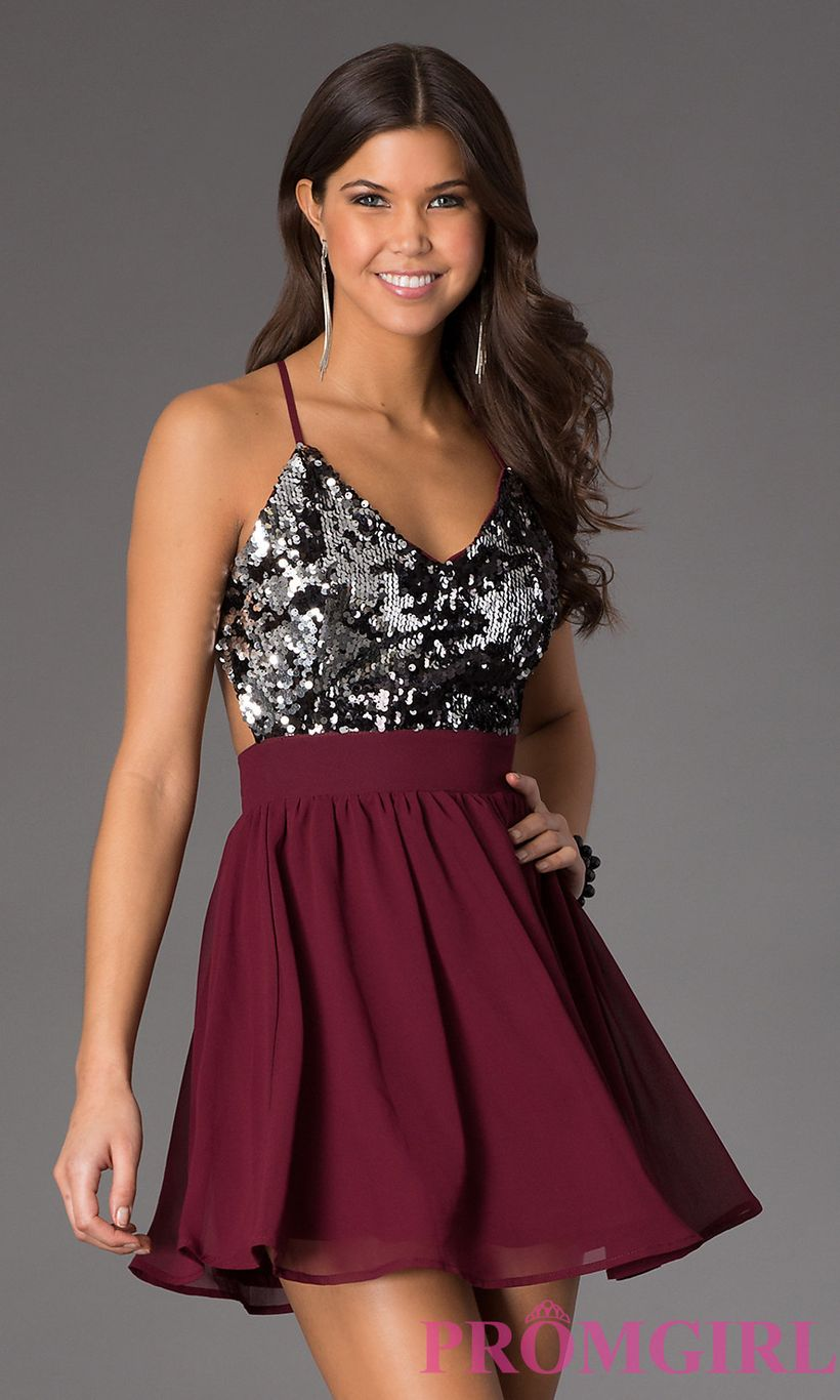 Awesome teens short dresses ideas for graduation outfits 33