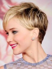 Cool short pixie blonde hairstyle ideas 13